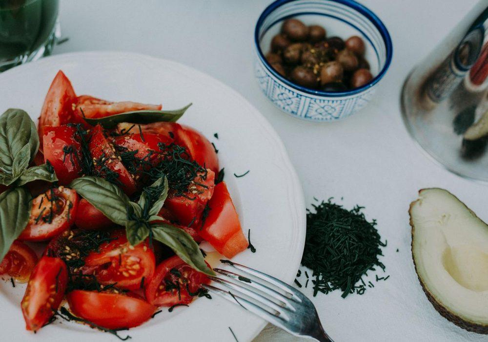 Salade de tomate à la spiruline